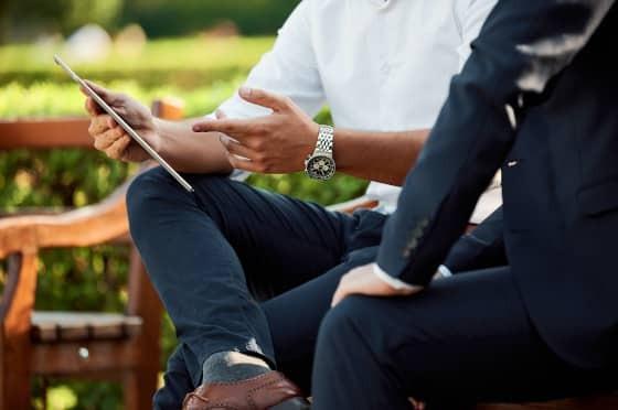 Selbstsicher auftreten im Beruf: 6 Tipps für die richtige Körpersprache