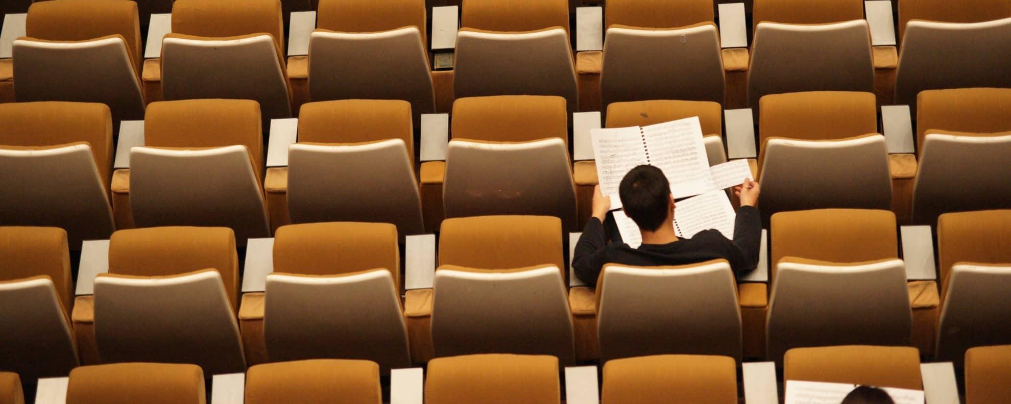 Wie kann ich Schauspiel studieren?