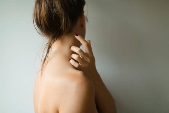 Selbstmassage Nacken: So löst du Verspannungen