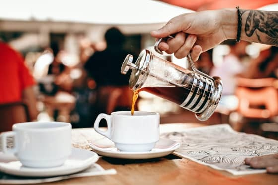 French Press Kaffee machen in 6 Schritten